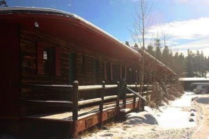 Sundance_Lodge_rooms_outside
